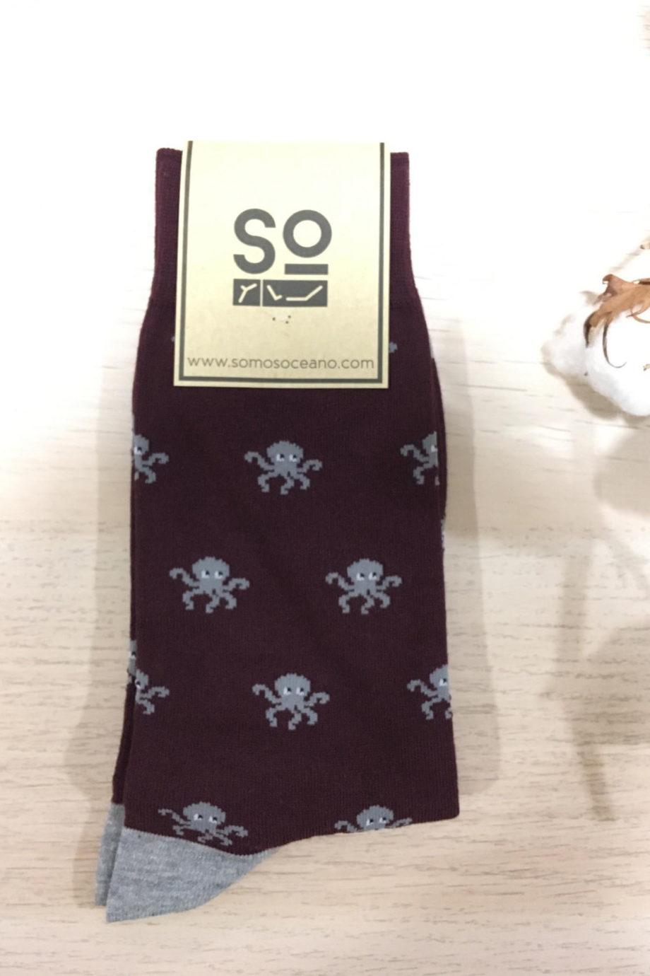 somosoceano-calcetines-pulpo-burdeos