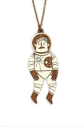 MATERIA-RICA-collar-astronauta