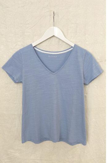 MUSBOMBON-camiseta-BASIECO-PICO-AZUL