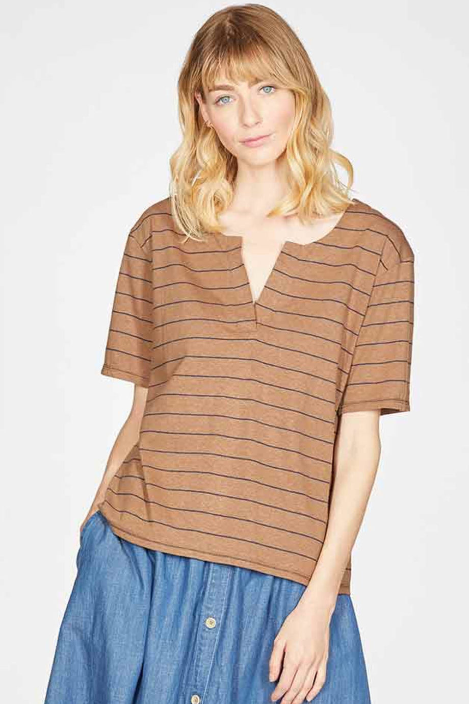 Camiseta-CECILIA-CANELA-Thought-Clothing